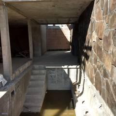 Hồ bơi trong vườn theo GóMEZ arquitectos,