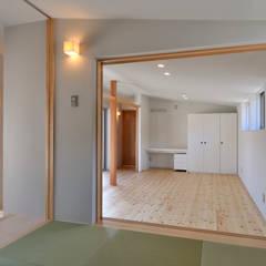 Media room by 小野建築設計室