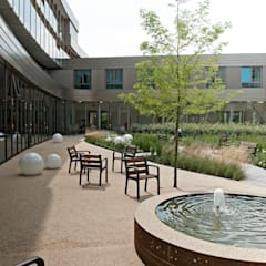 ​Senior living:  Clinics by Andredw van Egmond  |  designing garden and landscape