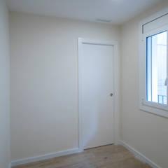 Dormitorio: Dormitorios de estilo  de Grupo Inventia