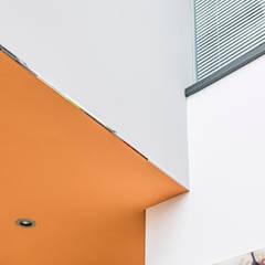 Detailansicht eines realisierten Farbkonzeptes in einem Privathaus in Hannover:  Wohnzimmer von FARBCOMPANY