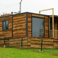 Casa di legno in stile  di MOVİ evleri