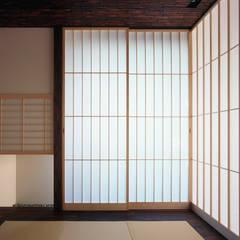 Ruang Multimedia oleh 松岡淳建築設計事務所, Asia
