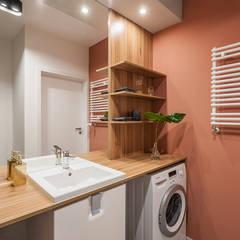 MĘSKI RÓŻ: styl , w kategorii Łazienka zaprojektowany przez KODO projekty i realizacje wnętrz