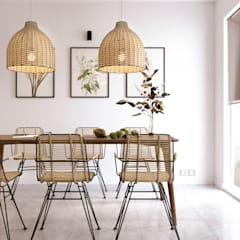 Pastelowy naturalizm: styl , w kategorii Jadalnia zaprojektowany przez Valido Architects