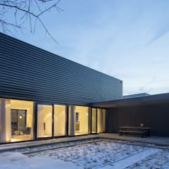 Garasi by JMW architecten