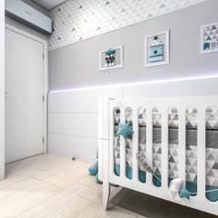 Quarto Infantil: Quartos de bebê  por Samantha Sato Designer de Interiores