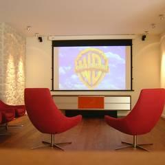Multimediaraum:  Multimedia-Raum von Architektur.Design Dombrowski