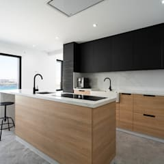 آشپزخانه by DISEÑO&ARQUITECTURA