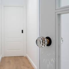 Projekty,  Drzwi wewnętrzne zaprojektowane przez DISEÑO&ARQUITECTURA