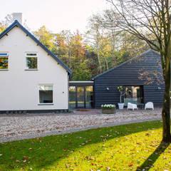MODERNE SCHUURWONING, VERBOUWING:  Huizen door ID-Architectuur