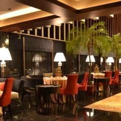 Restaurantes de estilo  por Bobos Design