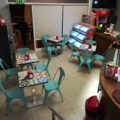 Pastelaria Toscana-Algarve 2008/2018: Espaços de restauração  por Atelier  Ana Leonor Rocha