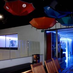 Iluminación Oficinas Punto de Imagen.: Terrazas de estilo  por emARTquitectura