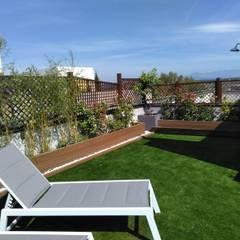 Rehabilitación de terraza en una casa de Madrid: Terrazas de estilo  de La Patioteca