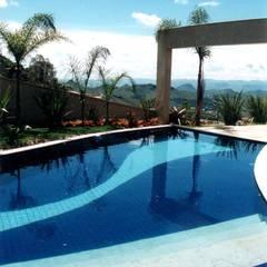 Infinity pool by Marcelo Sena Arquitetura