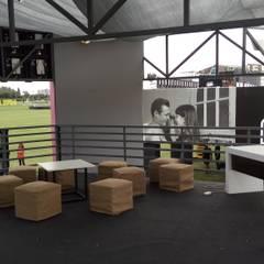 Lollapalooza  Hipodromo de San Isidro Bs As.: Terrazas de estilo  por Faerman Stands y Asoc S.R.L. - Arquitectos - Rosario