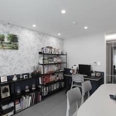 작업실과 홈카페가 있는 집, 동탄시범다은마을 월드메르디앙 반도유보라 24py _ 이사 후: 홍예디자인의  서재 & 사무실