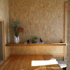 玄関ホール: 株式会社高野設計工房が手掛けた廊下 & 玄関です。
