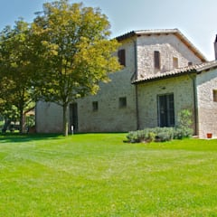 Garden by GIAN MARCO CANNAVICCI ARCHITETTO, Rustic