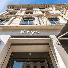 Façade de magasin: Locaux commerciaux & Magasins de style  par A MI-BOIS