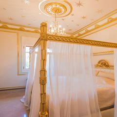 Small bedroom by LCC, Licitaciones y Contrataciones de Construcción