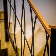 ŞEBNEM MIZRAK  – MD Barbaros Otel Merdivenler:  tarz Oteller