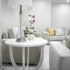 Salas de estilo moderno de Monica Saravia Moderno