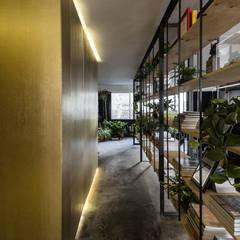 Oficinas PS: Estudios y oficinas de estilo  por PASQUINEL Studio