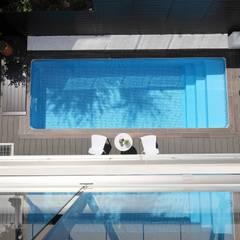 4つのリゾート空間: PROSPERDESIGN ARCHITECT OFFICE/プロスパーデザインが手掛けたプールです。