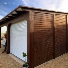 Garajes dobles  de estilo  por NavarrOlivier