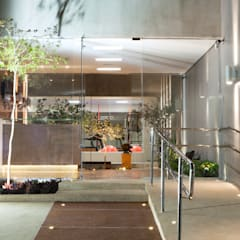 Glass doors by Effect Arquitetura