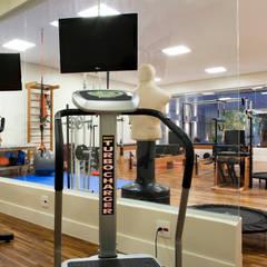 Clínica de Estética e Pilates: Fitness  por Effect Arquitetura