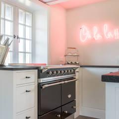 آشپزخانه by Home Staging Sylt GmbH