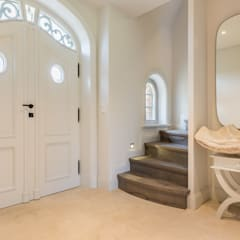 Privathaus in Kampen af Sylt:  Flur & Diele von Home Staging Sylt GmbH