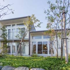 3-BOX 1800万円の家: アース・アーキテクツ一級建築士事務所が手掛けた木造住宅です。,モダン スレート