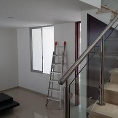 Fachada Resiencia: Escaleras de estilo  por Eduardo Zamora arquitectos