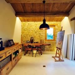 :  Media room by Nico Van Der Meulen Architects