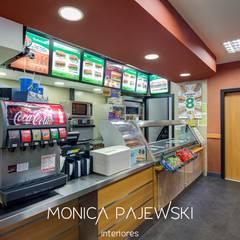 SUBWAY SUPERMERCADO MUFFATO: Espaços gastronômicos  por Monica Pajewski Interiores
