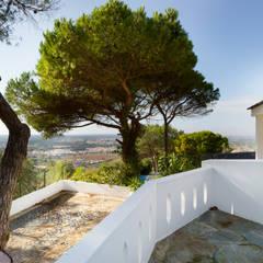 Balcony / ViewPoint: Terraços  por Pedro Brás - Fotografia de Interiores e Arquitectura | Hotelaria | Imobiliárias | Comercial