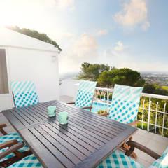 Table Set exterior: Terraços  por Pedro Brás - Fotografia de Interiores e Arquitectura   Hotelaria   Imobiliárias   Comercial