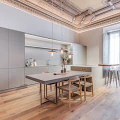 Kitchen by Lara Pujol  |  Interiorismo & Proyectos de diseño