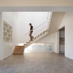 Tangga by 건축사사무소 모뉴멘타