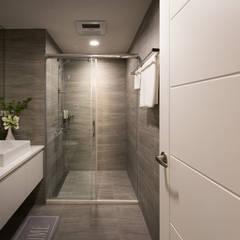 Bathroom by 北歐制作室內設計