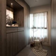 Dressing room by 北歐制作室內設計, Country