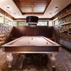 Forester house - современный загородный дом: Рабочие кабинеты в . Автор – Роман Леонидов - Архитектурное бюро