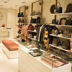 REMODELAÇÃO LOJA SECRET BAG VIANA DO CASTELO Espaços comerciais minimalistas por 7eva design - Arquitectura e Interiores Minimalista Metal