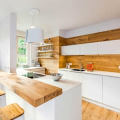 Built-in kitchens by Die Wohnkomplizen