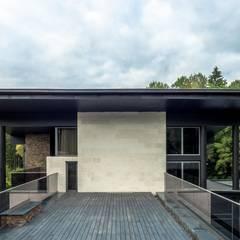 Casas de campo  por Роман Леонидов - Архитектурное бюро