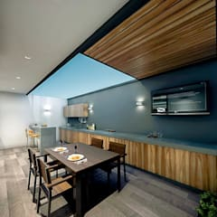 Cocinas integrales de estilo  por COUTIÑO & PONCE ARQUITECTOS, Moderno Derivados de madera Transparente